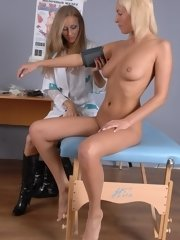 Sexalted nude gyno examinee of a lesbian nurse